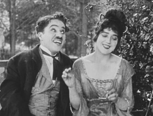 Chaplin13CaughtCabaret